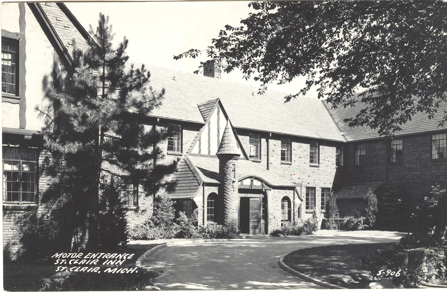 The St Clair Inn decades ago.